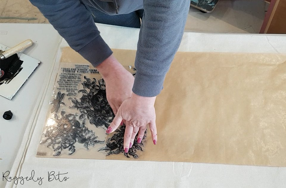 No need to spend lots of money on expensive paper for drawer liners. Using IOD Decor Stamps and some Ink I'm sharing How to Make Drawer Liners The Easy Way   www.raggedy-bits.com   #raggedybits #DIY #paintedfurniture #drawerliners #vintage #farmhouse #IOD