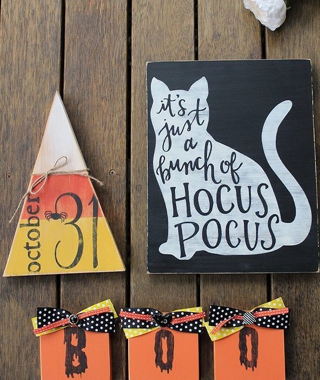 Come along and learn how to stencil some spooky Halloween Signs using Fusion Mineral Paint and a choice of a fun stencil | DIY Halloween Sign Bundle Workshop | www.raggedy-bits.com | #raggedybits #DIY #workshop #sign #Farmhouse #stencil #fusionmineralpaint #homedecor #Halloween