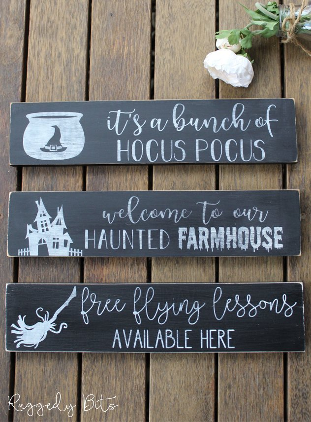 Come along and learn how to stencil some spooky Halloween Signs using Fusion Mineral Paint and a choice of a fun stencil | DIY Halloween Sign Workshop | www.raggedy-bits.com | #raggedybits #DIY #workshop #sign #Farmhouse #stencil #fusionmineralpaint #homedecor #Halloween