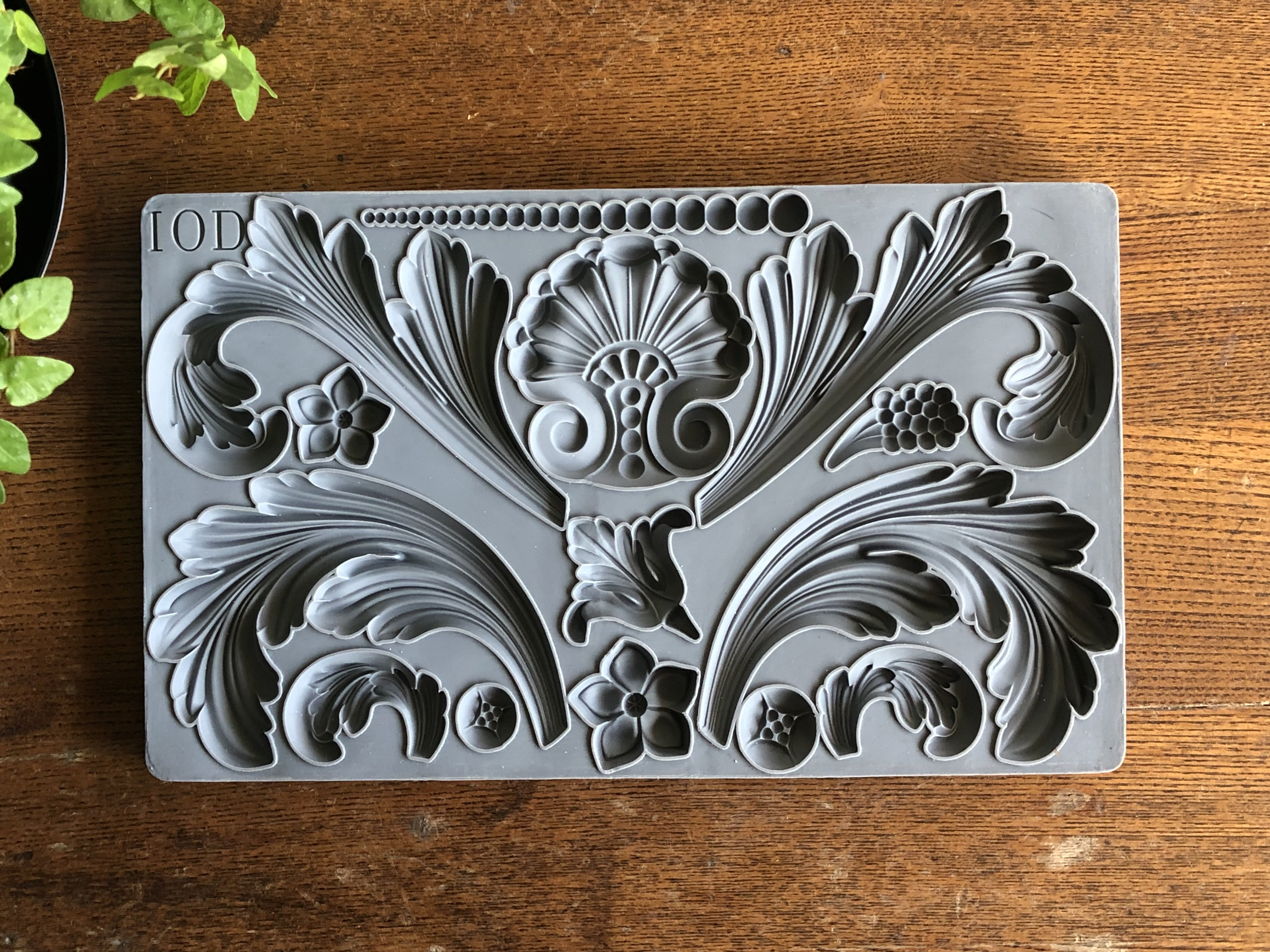 Have fun adding texture to your projects with these Iron Orchid Designs Decor Moulds -Acanthus Scroll   www.raggedy-bits.com   #raggedybits #IOD #AcanthusScroll #texture #DIY #Moulds