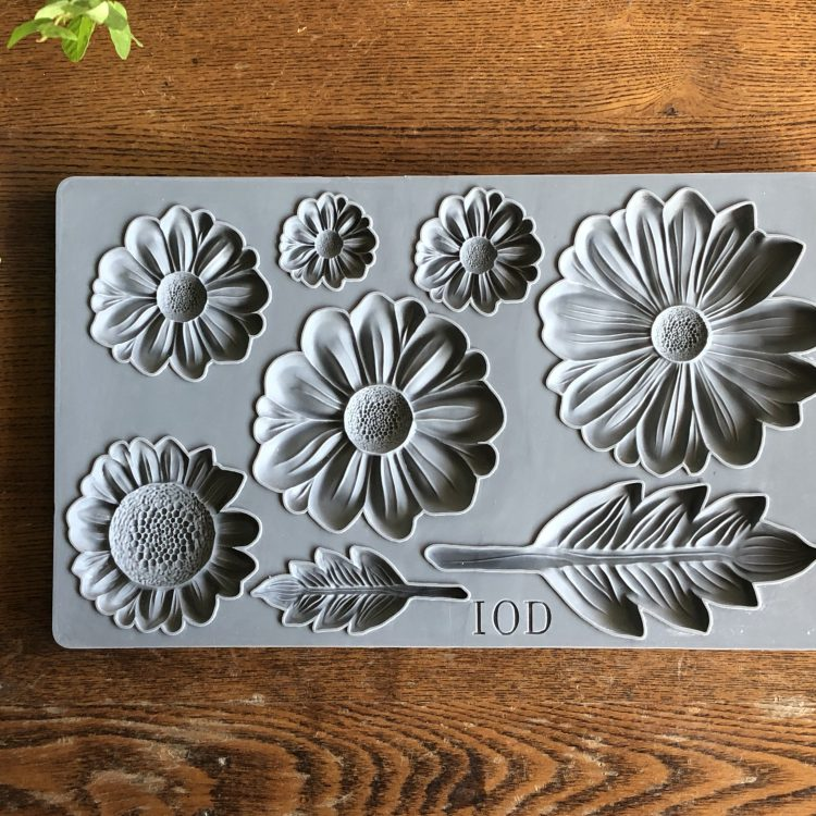 Have fun adding texture to your projects with these Iron Orchid Designs Decor Moulds -He Loves Me | www.raggedy-bits.com | #raggedybits #IOD #HeLovesMe #texture #DIY #Moulds