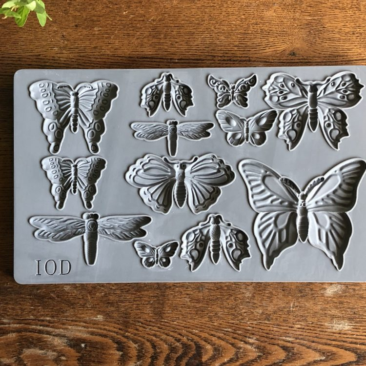 Have fun adding texture to your projects with these Iron Orchid Designs Decor Moulds -Monarch | www.raggedy-bits.com | #raggedybits #IOD #Monarch #texture #DIY #Moulds