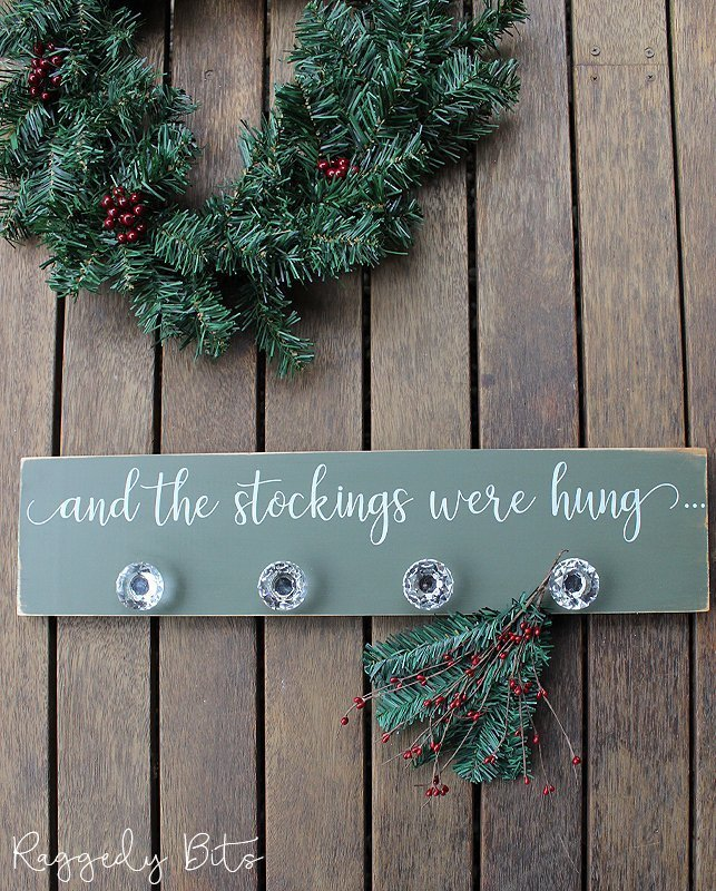 Sharing how to make an easy farmhouse Christmas Stocking Hanger that you can make too | www.raggedy-bits.com | #raggedybits #DIY #christmas #decor #stocking #farmhouse #fusionmineralpaint