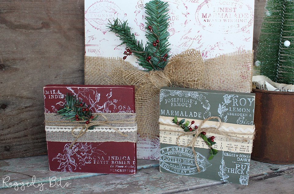 Have fun decorating this Christmas with these Vintage Farmhouse Faux Stamped Christmas Presents | www.raggedy-bits.com | #raggedybits #wood #presents #vintage #farmhouse #christmas