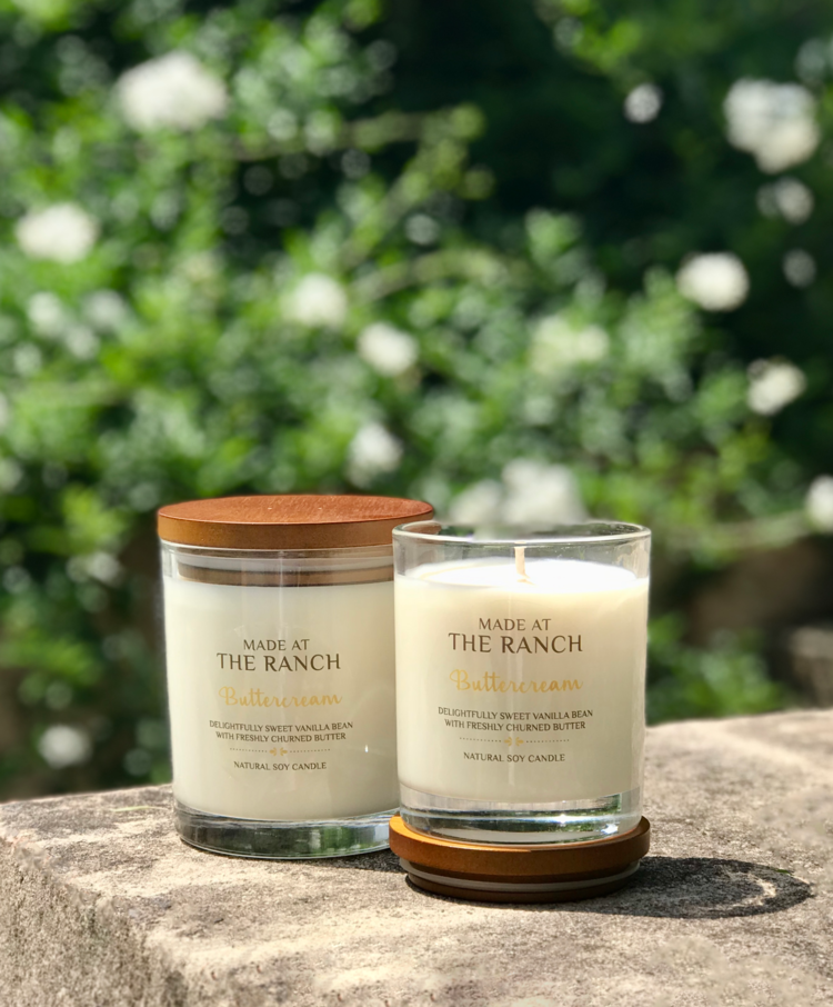 Get your senses going with this delicious Buttercream Soy Candle | www.raggedy-bits.com | #raggedybits #soycandles #homedecor #vintage #farmhouse