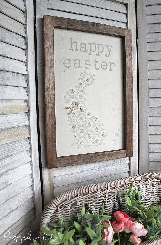 Sharing a fun DIY on How To Make A Farmhouse Napkin Bunny Sign using Fusion Mineral Paint and IOD Decor Stamps   www.raggedy-bits.com   #raggedybits #diy #napkin #IOD #fusionmineralpaint #easter #bunny #sign #farmhouse