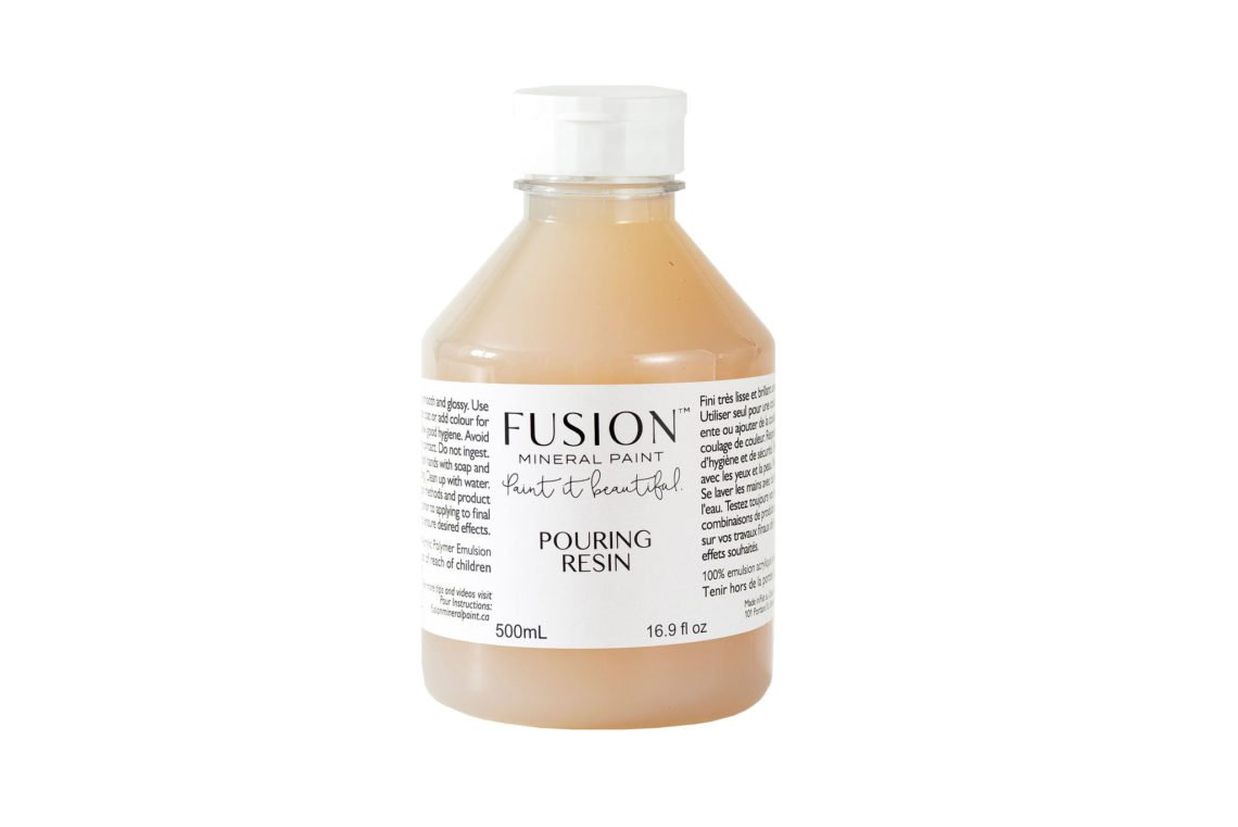 Fusion Mineral Paint - Pouring Resin | www.raggedy-bits.com