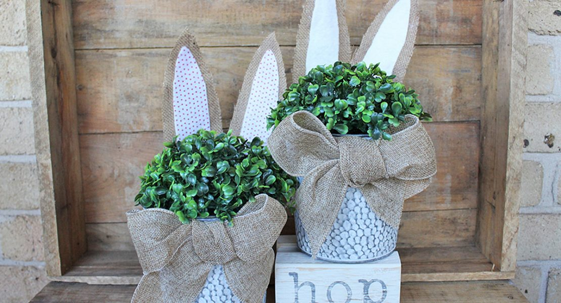 Using some burlap, felt and topiary ball sharing how to make a Farmhouse Topiary Easter Bunny Bucket to decorate with this Easter | www.raggedy-bits.com | #raggedybits #diy #easter #bunny #homedecore #repurpose #upcycle #farmhouse