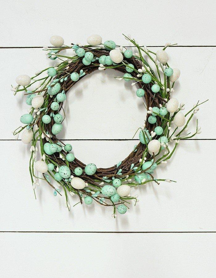 Int Bloggers Club - Super Easy Dollar Store Easter Wreath | www.raggedy-bits.com