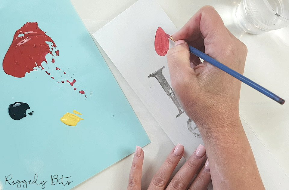 Sharing a fun way to remember our ANZACS using Fusion Mineral Paint and IOD Decor Stamps | How to Paint & Stamp An ANZAC Sign | www.raggedy-bits.com | #raggedybits #DIY #ANZACDAY #farmhouse #sign #fusionmineralpaint #IOD