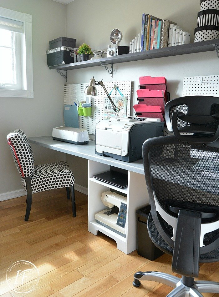 DIY Space Saving Home Office Floating Desk which is a feature for Waste Not Wednesday-205 by Interior Frugalista  | www.raggedy-bits.com