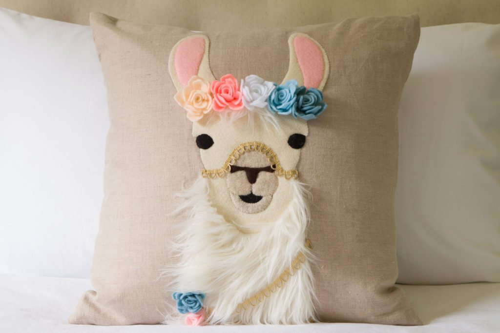 DIY Boho Llama Pillow which is a feature for Waste Not Wednesday-207 by Kippi At Home  | www.raggedy-bits.com