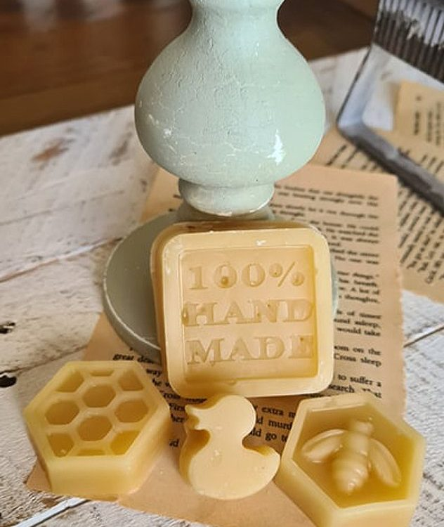 These Wax Blocks are 100% natural beeswax and the wax acts as a resist to paint. Use to achieve a layered look | www.raggedy-bits.com | #raggedybits #DIY #paintedfurniture