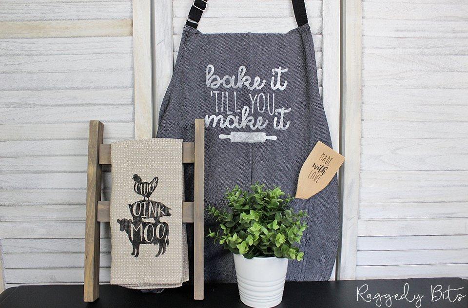 DIY Surprise Box - Baking Box | www.raggedy-bits.com | #raggedybits #DIY #suprise #box #vintage #farmhouse