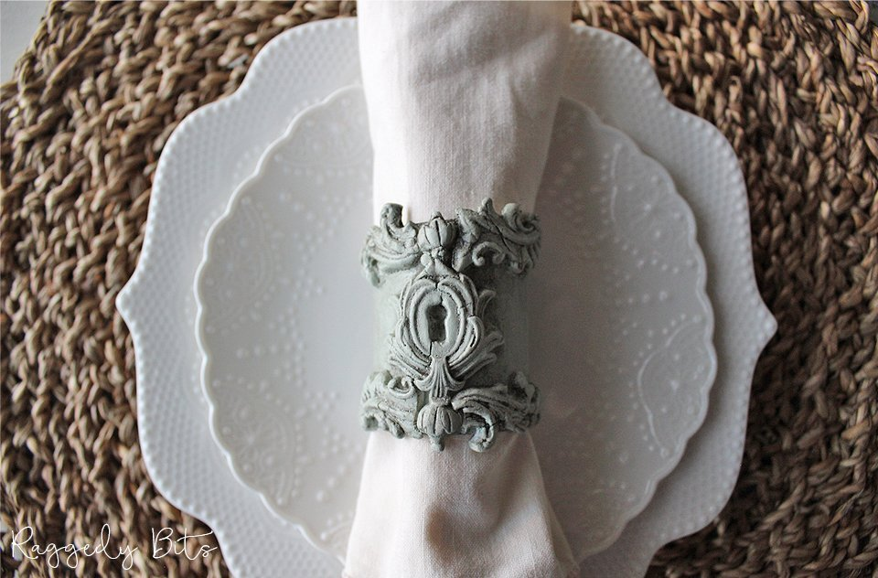 Sharing a fun way to repurpose toilet paper inserts into Vintage Farmhouse Napkin Rings using Milk Paint and Moulds | How to Make Vintage Farmhouse Napkin Rings | www.raggedy-bits.com | #raggedybits #DIY #repurpose #farmhouse #vintage #IODMoulds #SweetPickinsMilkPaint #sweetwater