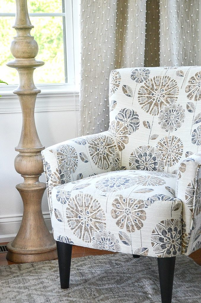 How To Choose The Best Accent Chair which is a feature for Waste Not Wednesday-211 by  Stone Gable | www.raggedy-bits.com