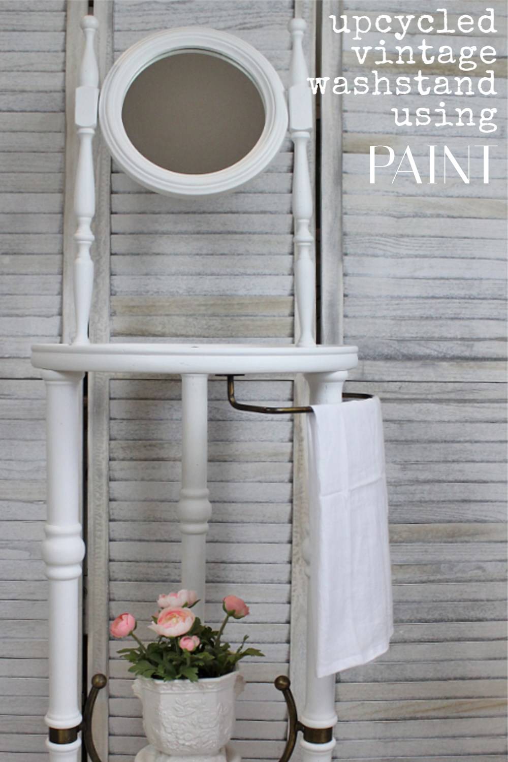 Sharing a fun easy way on how to upcycle a vintage washstand using Fusion Mineral Paint | www.raggedy-bits.com | #raggedybits #DIY #upcycle #furnituremakeover #fusionmineralpaint