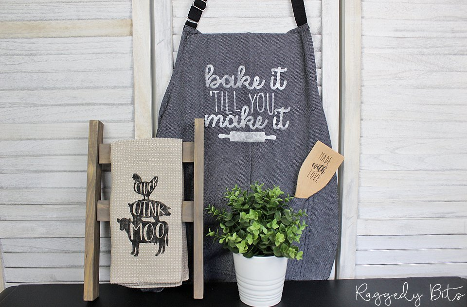 DIY Surprise Baking Box filled with a fun Farmhouse Baking Apron, Tea Towel, Tea Towel Ladder Display and Wooden Turner | www.raggedy-bits.com | #raggedybits #DIYSurpriseBox #farmhouse #DIY #paint #fusionmineralpaint #mmsmilkpaint #SPMilkpaint #IOD #DIYKit
