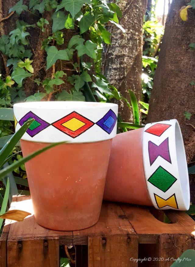 Int Bloggers Club - DIY Ndebele Planters | A Crafty Mix | www.raggedy-bits.com