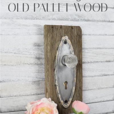 Sharing a super fun easy way to make a Vintage Farmhouse Hook Using Pallet Wood | www.raggedy-bits.com | #raggedybits #DIY #vintage #farmhouse #hook #pallet #wood #wallart