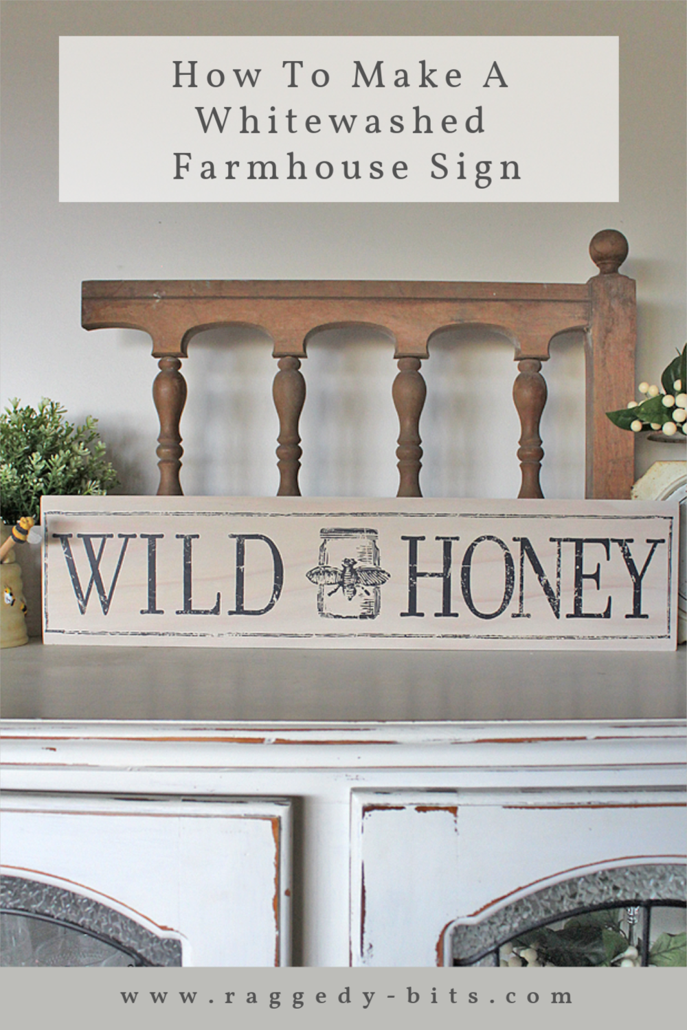 Sharing a fun easy way to make a whitewashed farmhouse sign using a decor transfer | www.raggedy-bits.com | #raggedybits #DIY #farmhouse #sign #whitewash #fusionmineralpaint #IOD #Champlain #FarmFresh