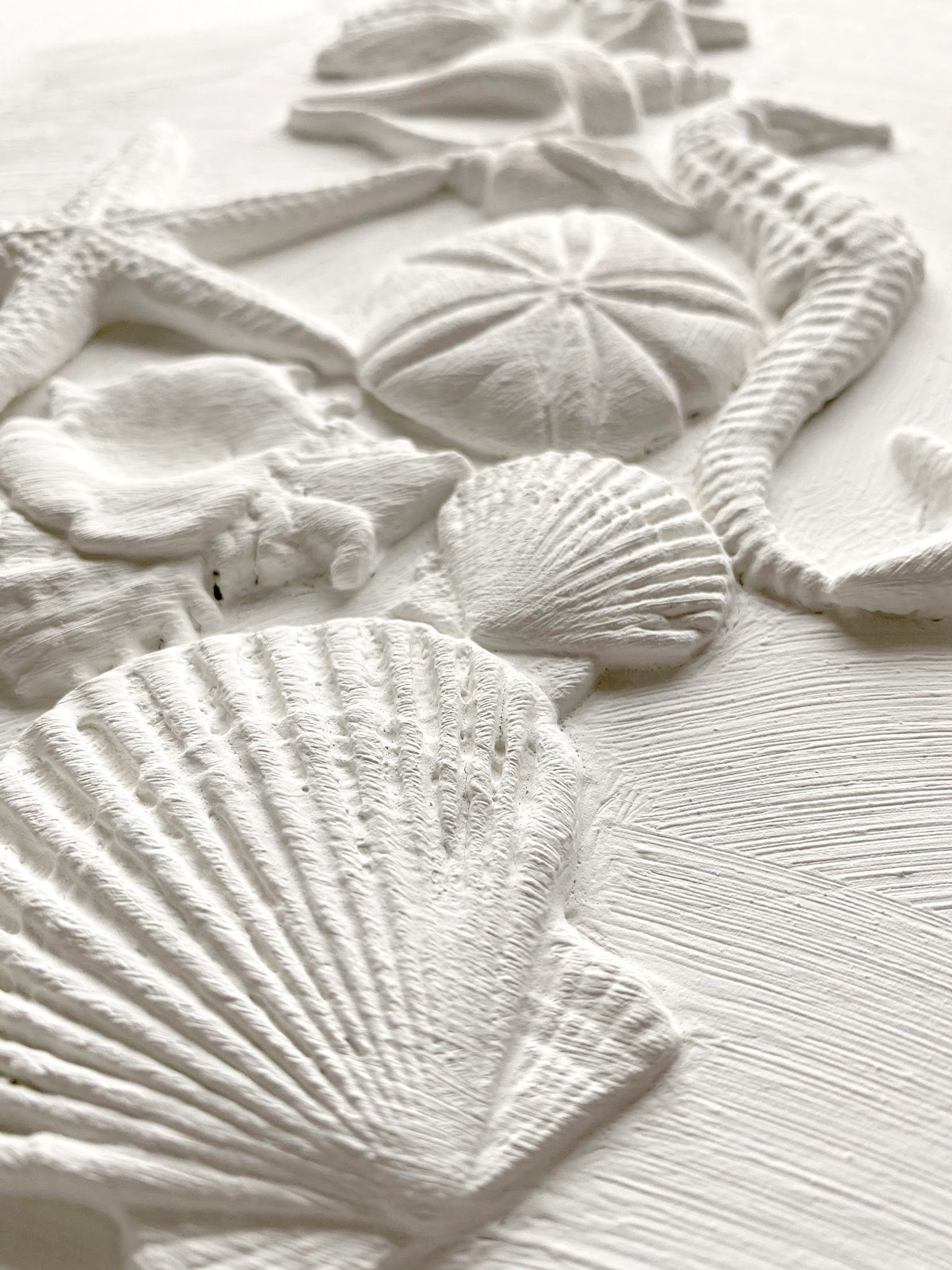 Have fun adding texture to your projects with these Iron Orchid Designs Decor Moulds - Seashore | www.raggedy-bits.com | #raggedybits #IOD #SeaShore #texture #DIY #Moulds
