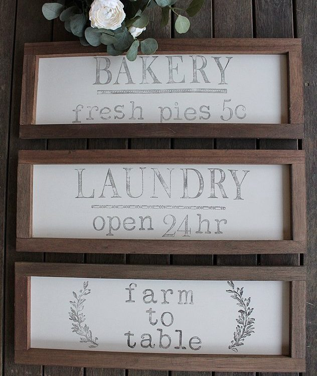 Have fun deorating with these Farmhouse Signs | www.raggedy-bits.com #raggedybits #farmhouse #signs #handmade