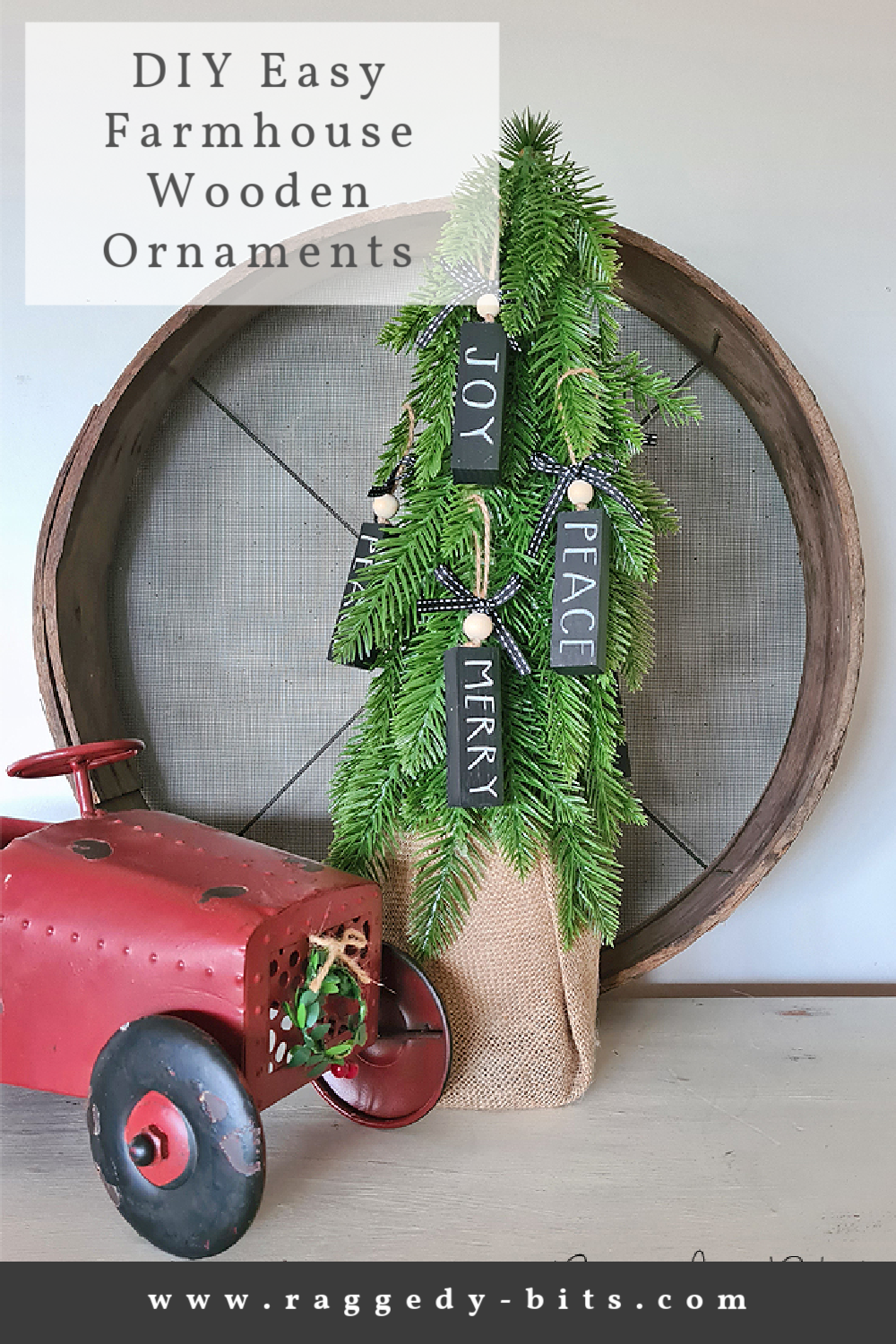 Sharing how to make Easy Wooden Farmhouse Christmas Ornaments to decorate your tree with. They would also make awesome present toppers | www.raggedy-bits.com | #raggedybits #DIY #wooden #ornaments #farmhouse #christmas #decorations #fusionmineralpaint #coalblack #champlain