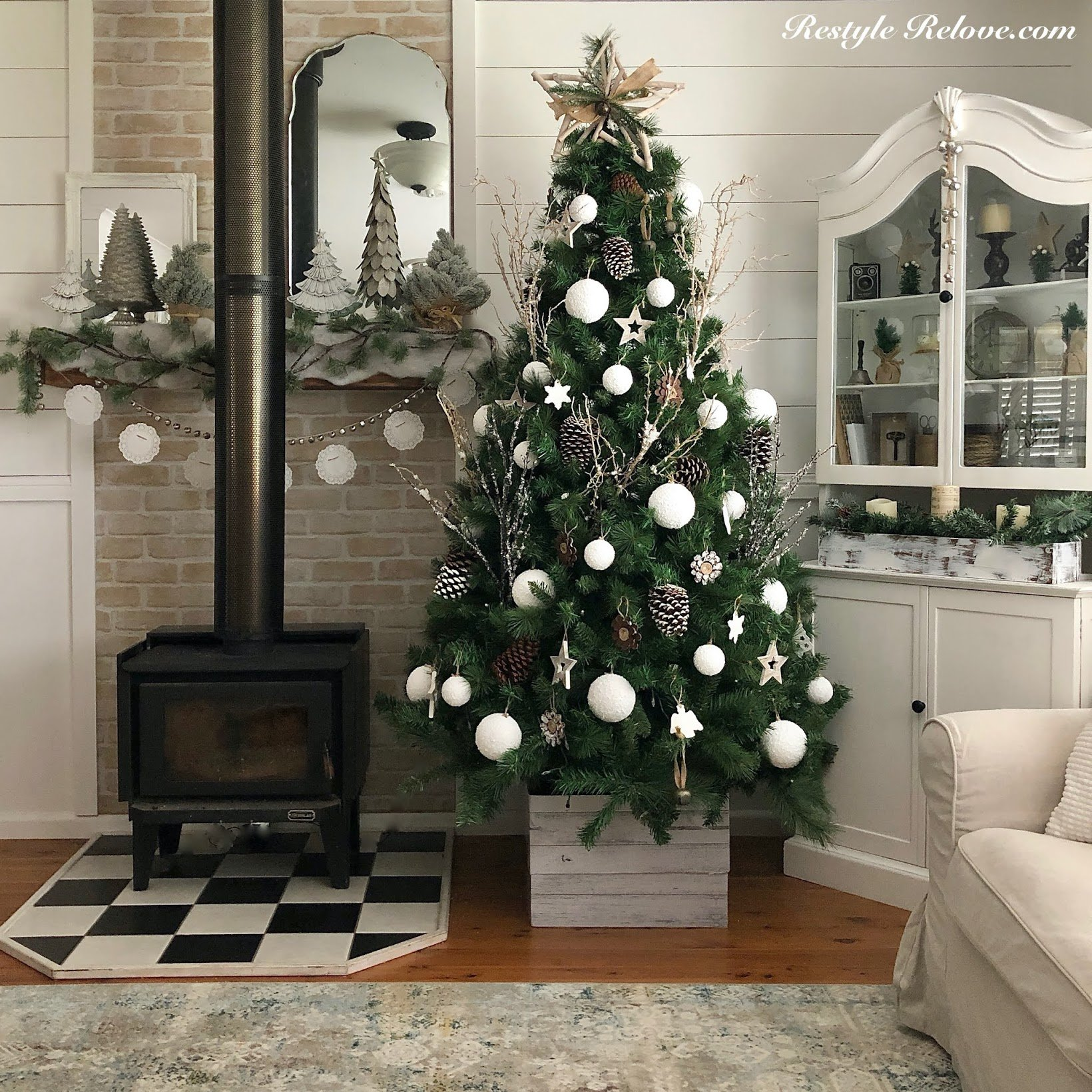 My Rustic Farmhouse Christmas Tree which is a feature for Waste Not Wednesday- 2020 Christmas Edition by Restyle Relove | www.raggedy-bits.com