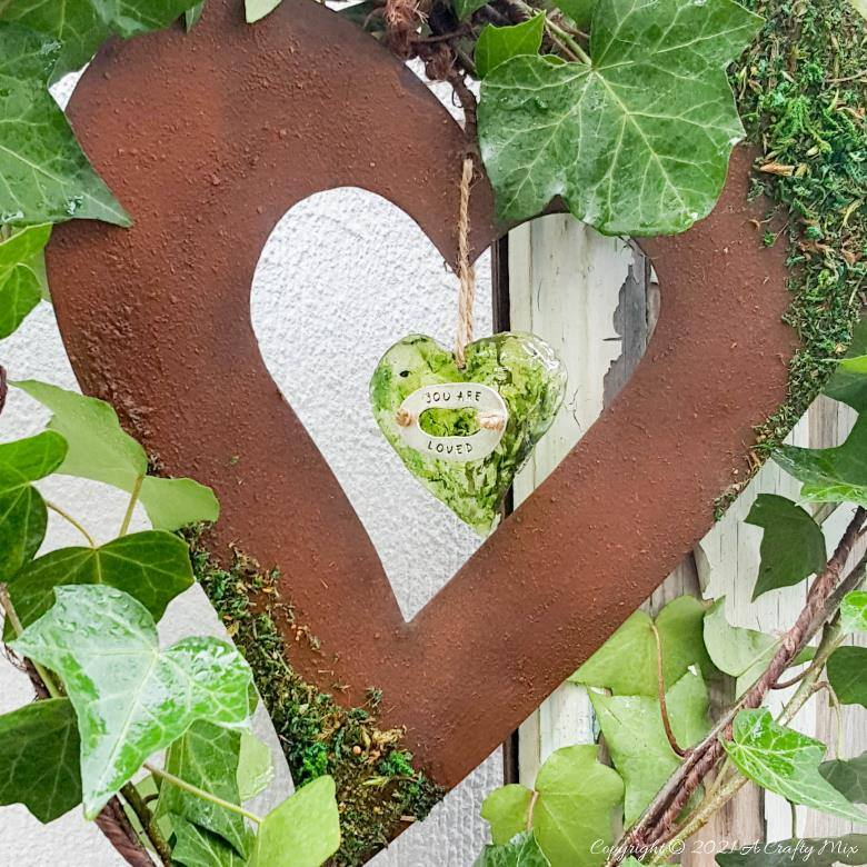 Spring Heart Wreath which is part of this months Int'l Bloggers Club Projects by A Crafty Mix | www.raggedy-bits.com