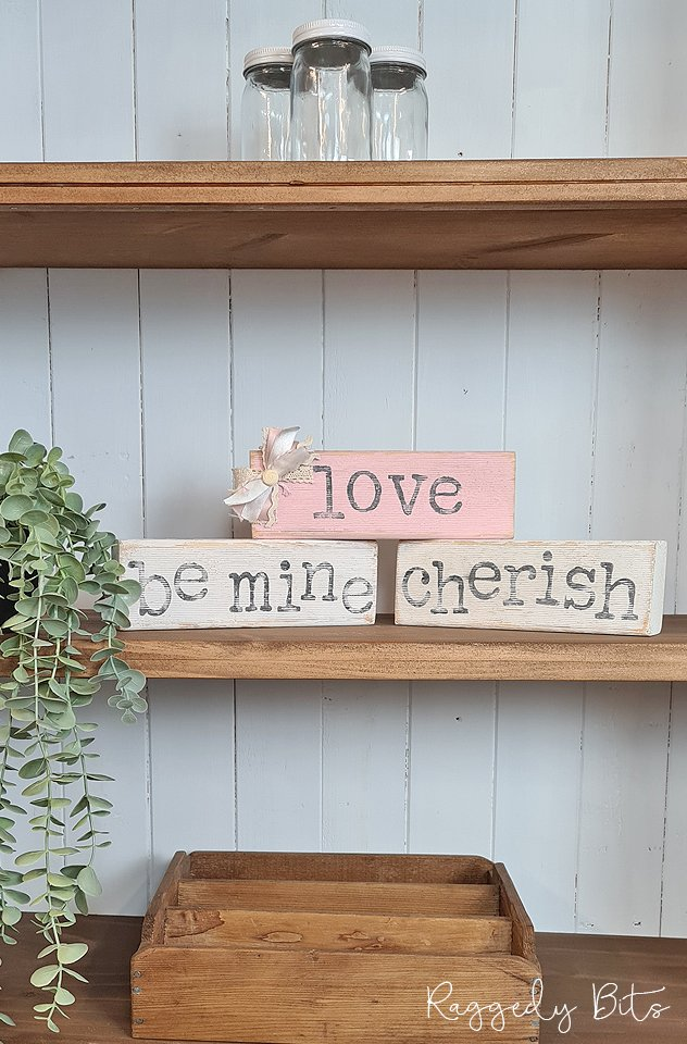 Sharing some fun easy Stamped Farmhouse Wooden Valentines Block Signs to make for your loved ones of give as gifts | www.raggedy-bits.com | #raggedybits #DIY #valentinesday #homedecor #farmhouse #vintage #sign #dixiebelle #iod