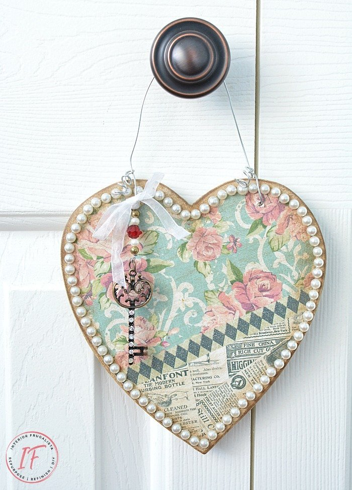 Vintage Style Heart Hanger For Valentine's Day which is a feature for Waste Not Wednesday-239 by Interior Frugalista   www.raggedy-bits.com
