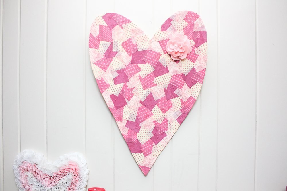 Valentines Day Patchwork Heart Wreath which is a feature for Waste Not Wednesday-239 by Sweet Pea | www.raggedy-bits.com