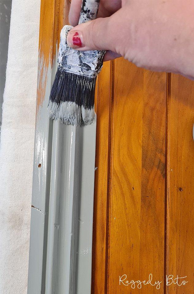 How To Paint A Farmhouse Hutch using Dixie Belle Silk | www.raggedy-bits.com| #raggedybits #DIY #paintedfurniture #tutorial #dixiebelle #Wharf #SaltWater #hutch #silk
