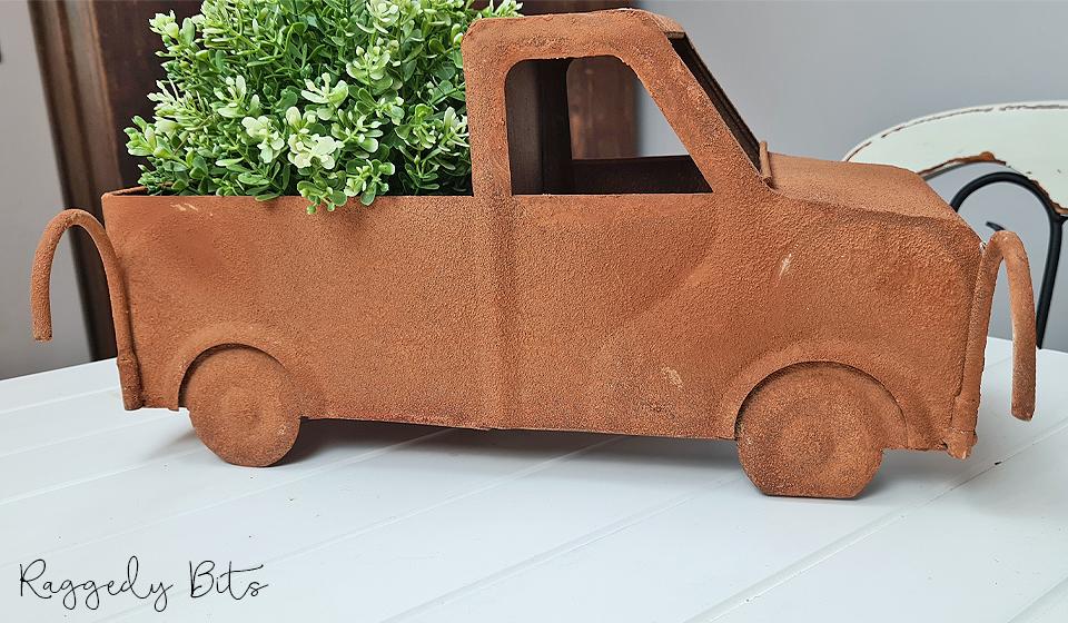 Farmhouse Rustic Truck Planter   www.raggedy-bits.com   #raggedybits #planter #rustic #truck #homedecor #farmhouse