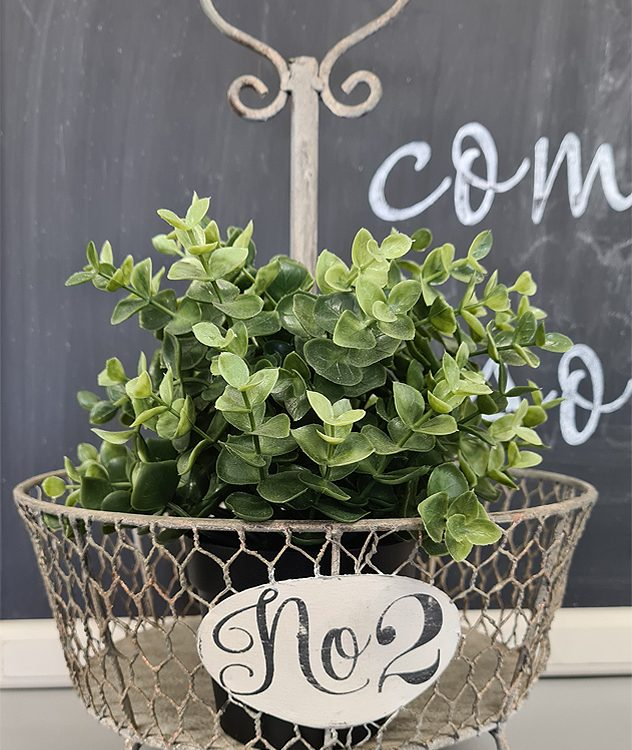 Farmhouse Footed Wire Basket | www.raggedy-bits.com #raggedybits #farmhouse #sign #wirebasket #handmade