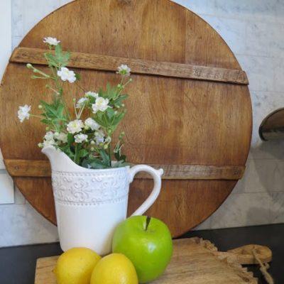 DIY Antique French Breadboard   www.raggedy-bits.com   www.raggedy-bits.com   #raggedybits #diy #antique #breadboard #farmhouse #vintage #repurpose #upcycle