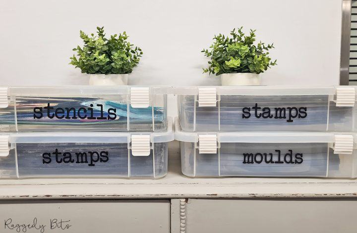 Our craft supplies can get a little unorganised and messy so today I'm sharing an easy way on how to organise and label your Moulds, Decor Stamps & Stencils | www.raggedy-bits.com | #raggedybits #DIY #organise #labels #stencils #decormoulds #decorstamps #IOD