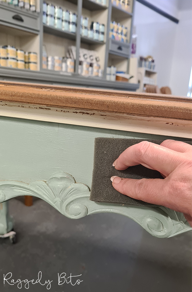 How to Whitewash A Farmhouse Table - Waste Not Wednesday | www.raggedy-bits.com | #raggedybits #diy #whitewash #paintedfurniture #upcycle #farmhouse