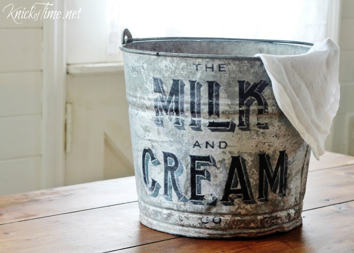 Farmhouse Galvanised Bucket - Knick Of Time  | www.raggedy-bits.com | #raggedybits #diy #antique #breadboard #farmhouse #vintage #repurpose #upcycle #knickoftime