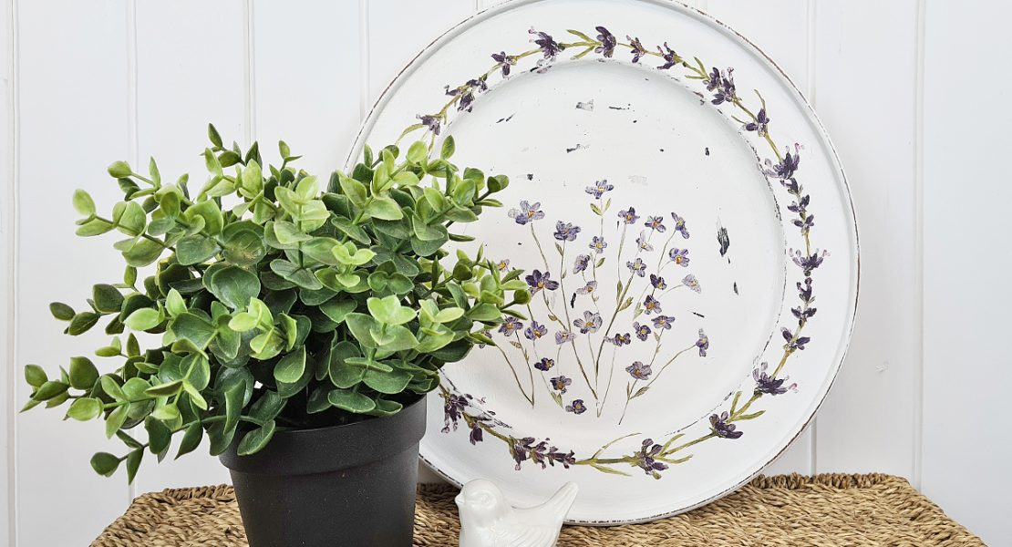 Sharing an easy way to upcycle a thrifted wooden plate using a decor transfer | www.raggedy-bits.com | #raggedybits #diy #thriftshop #upcycle #IOD #decortransfer #painterlyflorals
