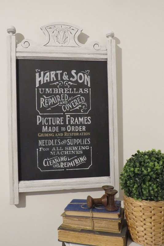 DIY Mirror Frame Makeover   www.raggedy-bits.com   #raggedybits #diy #farmhouse #vintage #repurpose #upcycle #homeonahill
