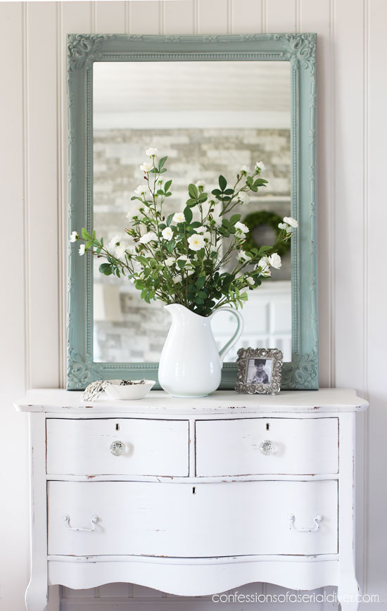 Thrift store Gold Mirror Upcycle   www.raggedy-bits.com   #raggedybits #diy #farmhouse #vintage #repurpose #upcycle #confessionsofaserialdiyer