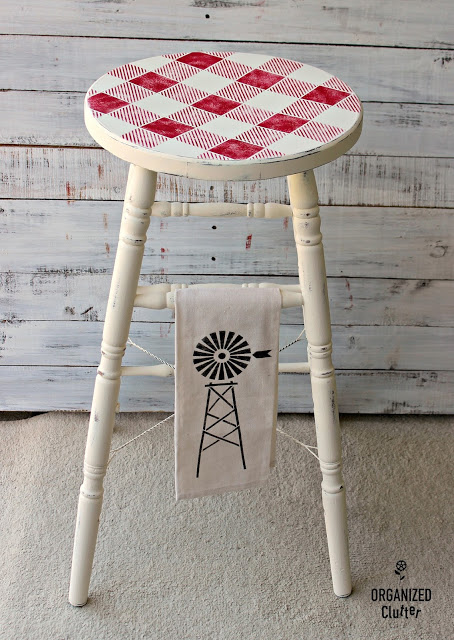 Thrift Store Stool Makeover   www.raggedy-bits.com   #raggedybits #diy #farmhouse #vintage #repurpose #upcycle #organisedclutter
