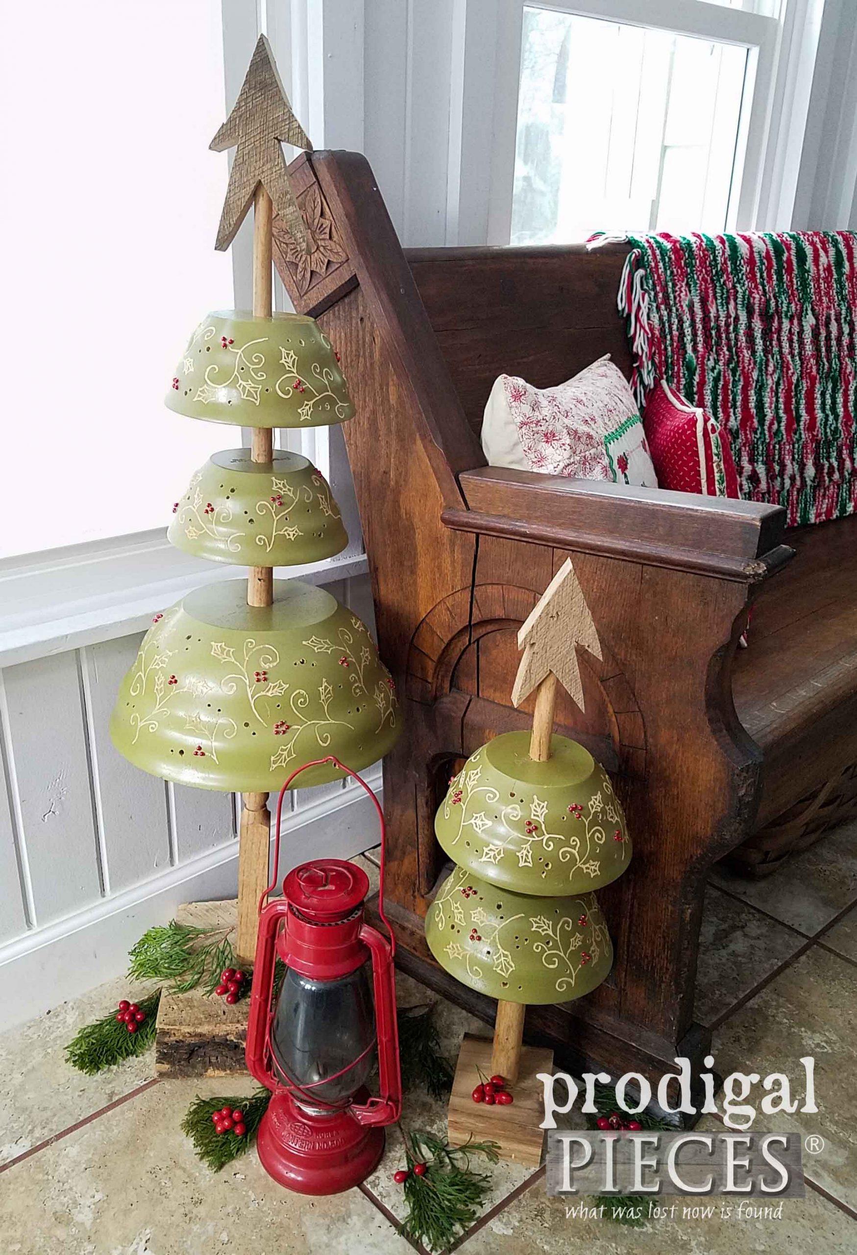 DIY Repurposed Christmas Tree  | www.raggedy-bits.com | #raggedybits #diy #christmas #farmhouse #vintage #repurpose #upcycle #prodigalpieces