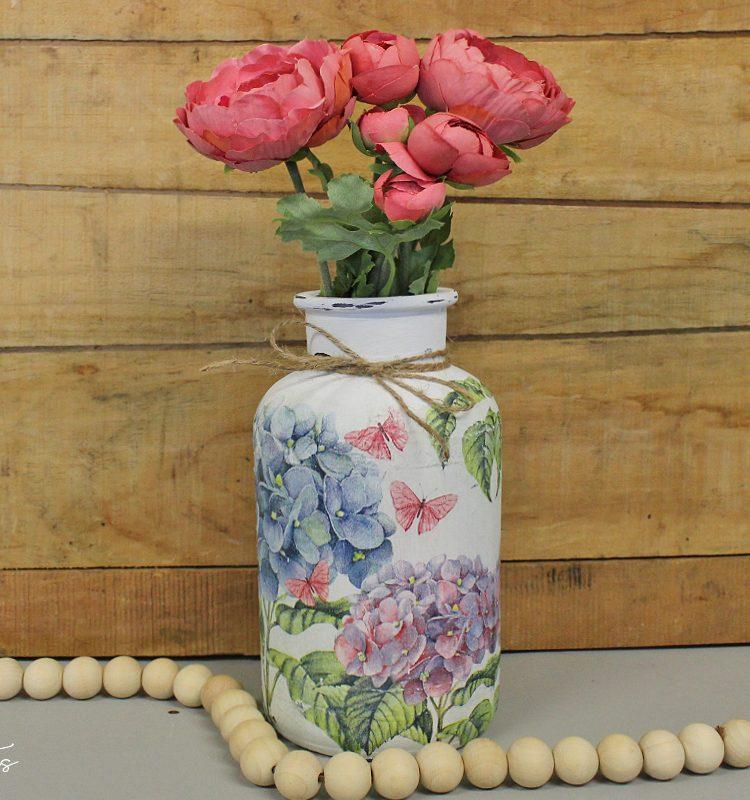 Sharing a fun way to add some vintage farmhouse charm to a plain old glass jar   How To Decoupage A Glass Jar   www.raggedy-bits.com   #raggedybits #diy #upcyle #repurpose #glassjar #decoupage #dixiebellechalkmineralpaint #napkin