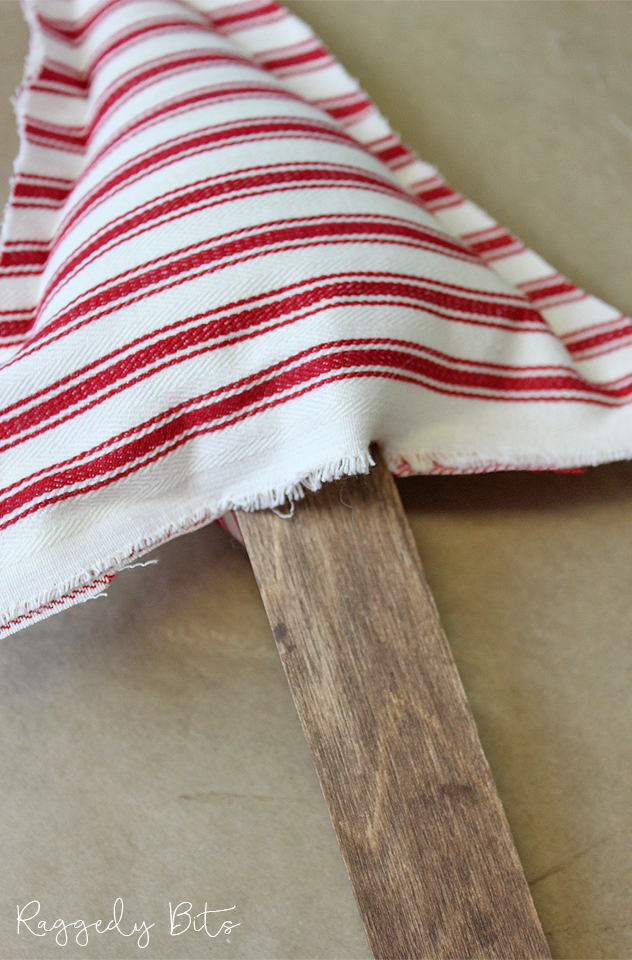 How To Make A Wooden Stand Farmhouse Fabric Christmas Tree | www.raggedy-bits.com | #raggedybits #DIY #christmas #tree #wood #vintage #farmhouse #decorate