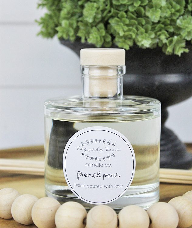 French Pear Reed Diffuser - Raggedy Bits Candle Co - | www.raggedy-bits.com | #raggedybits #candles #reeddiffusers #homedecor #frenchpear