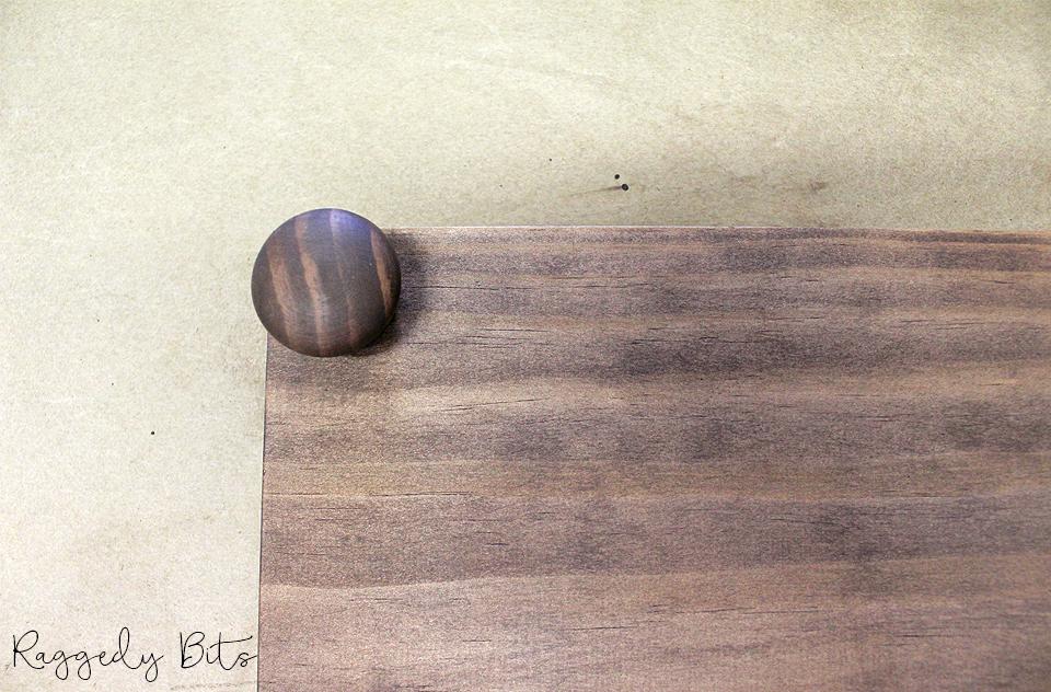 How To Make A Wooden Farmhouse Table Riser   www.raggedy-bits.com   #raggedybits #DIY #tableriser #farmhouse #tobacooroad
