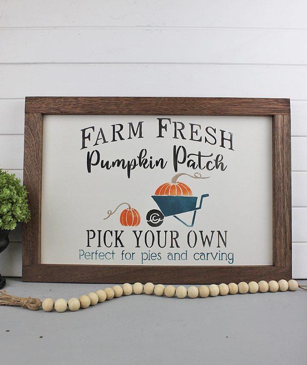 Halloween Hand painted Farm Fresh Pumpkin Patch Sign | www.raggedy-bits.com